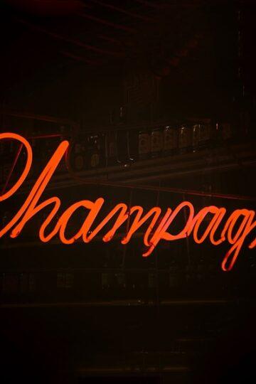 Champagne billboard voor weetjes